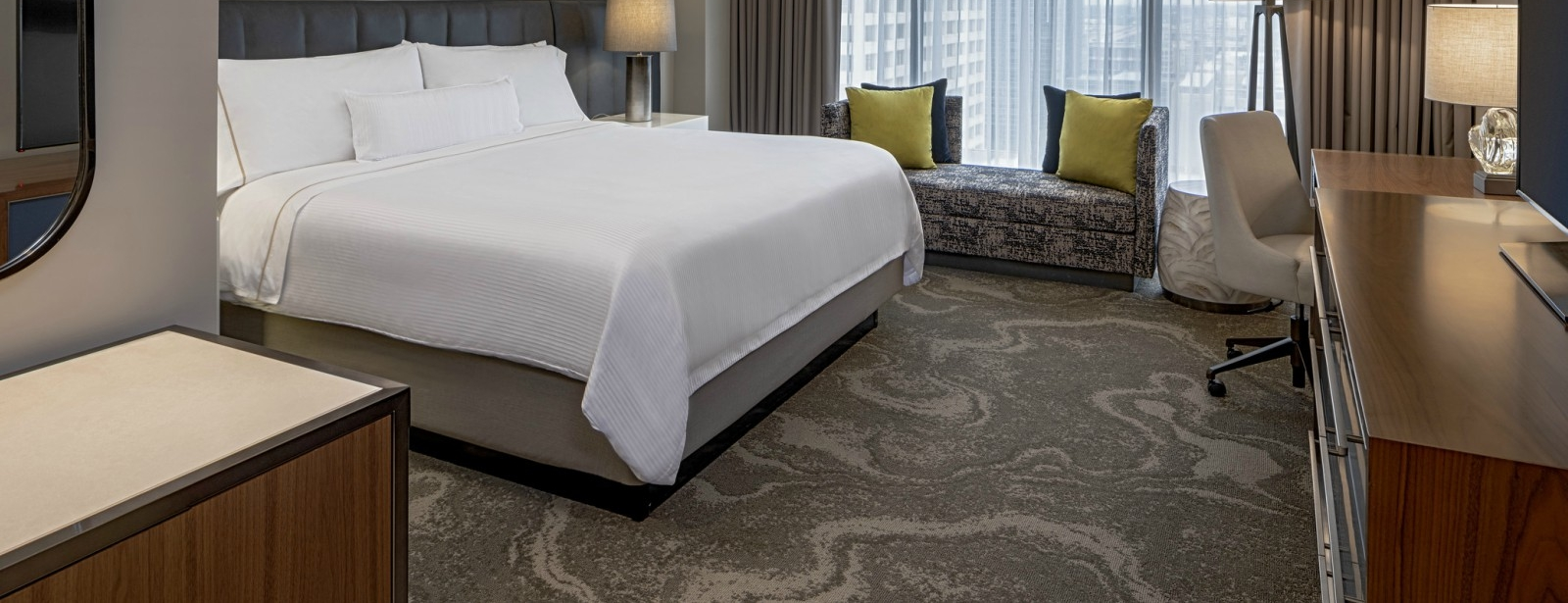 Hotel Accommodations in Houston - The Westin Oaks Houston at the Galleria